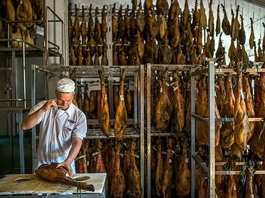Embutidos Fermín, jamones de pata negra (Salamanca)