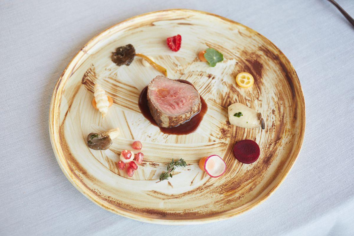 El colorido juega un papel importante en el plato de solomillo.