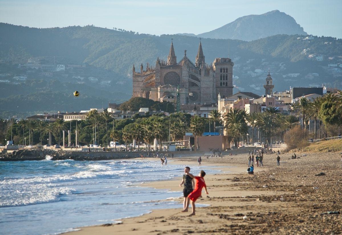Disfrutar de esta ciudad antes de que se inicie la temporada es un verdadero lujo. Foto: Shutterstock