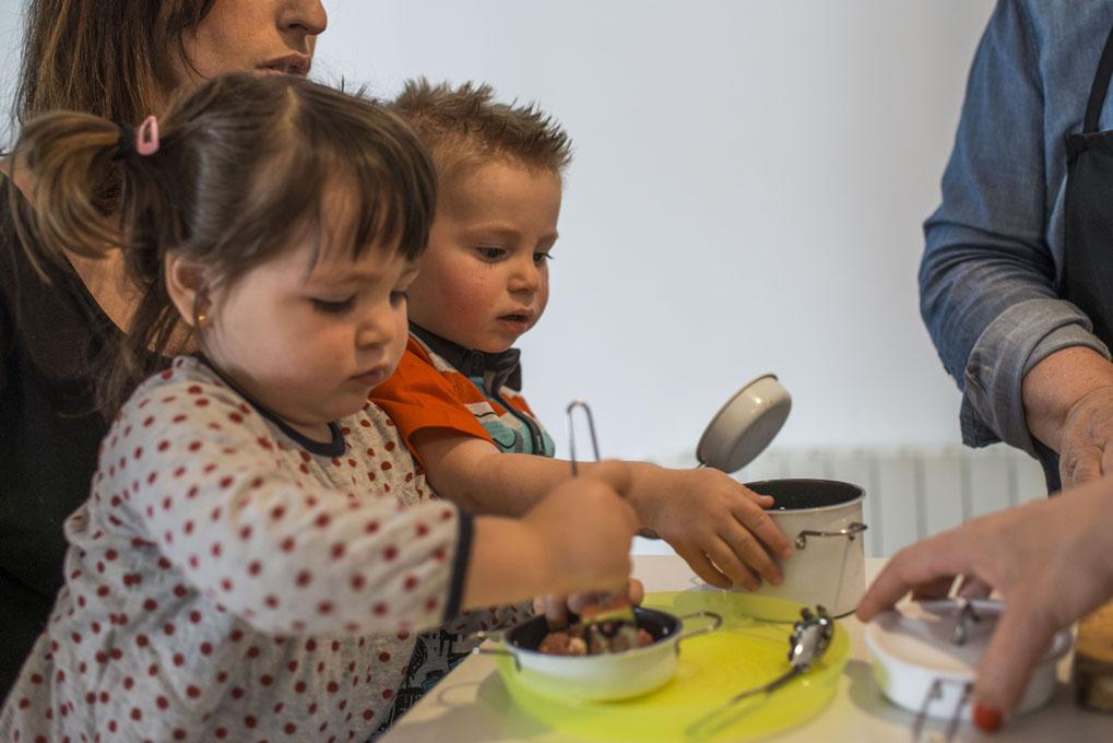 Hasta los más pequeños pueden cocinar.