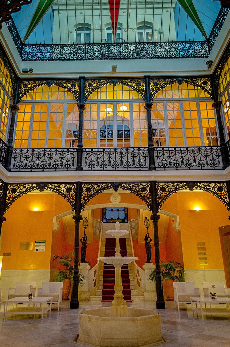 La escalera imperial, original de la casa de Antonio Zambrano