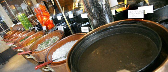 la Feijoada es un plato tradicional de Brasil.