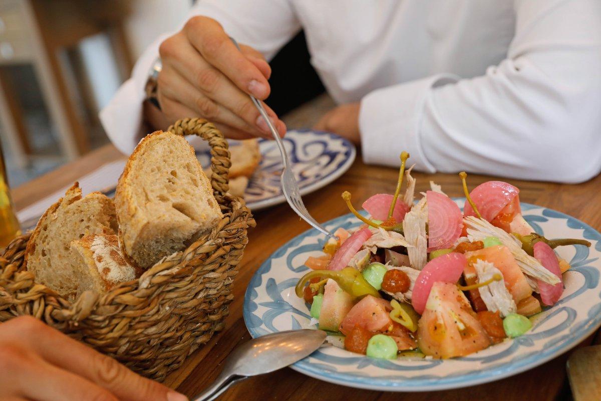 Restaurante El Rincón del Mercado (Valencia): ensalada de bonito escabechado