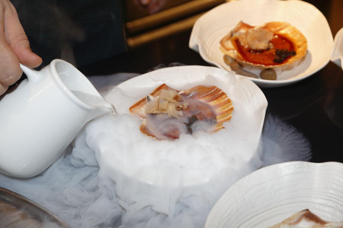 La vieira, uno de los platos más afamados del chef.