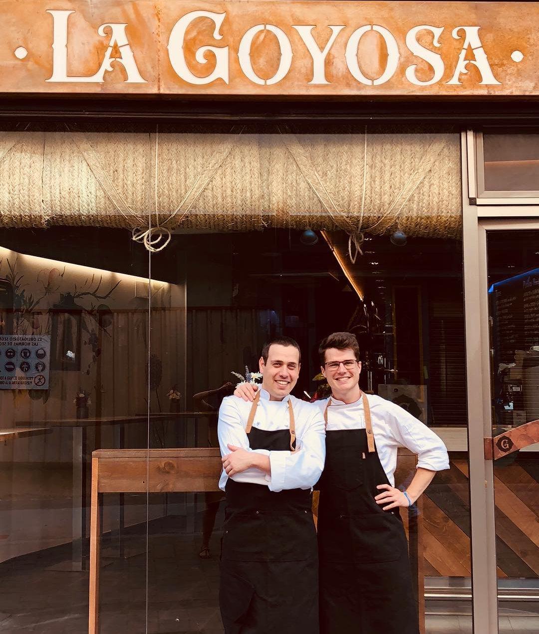 La Goyosa - Mateo Sierra (derecha) y un compañero de cocina.