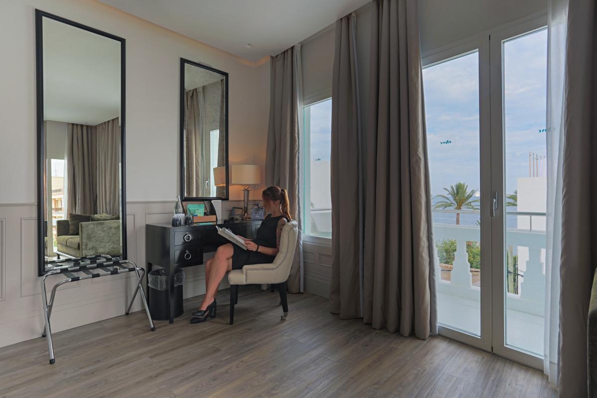 Una habitación del hotel Es Viver (Ibiza).