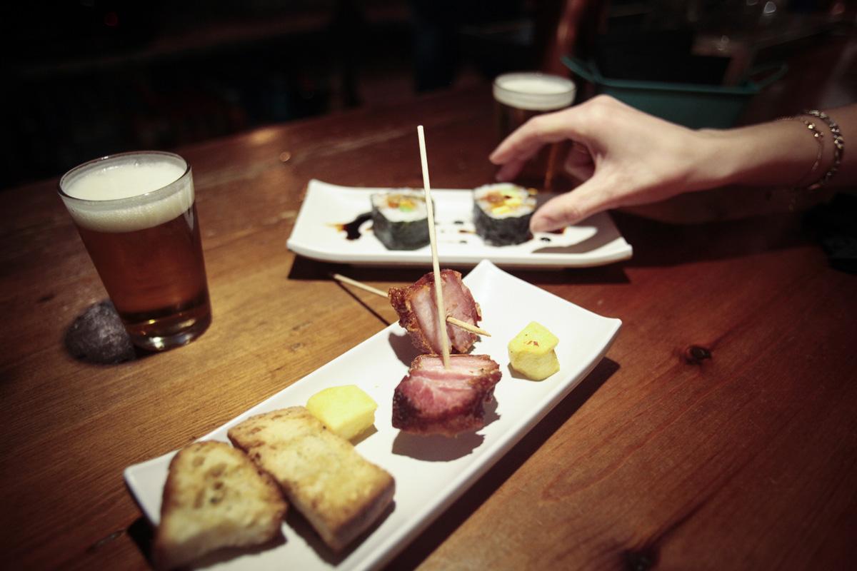 Los torreznos en León no podían faltar. Y el sushi, como novedad.