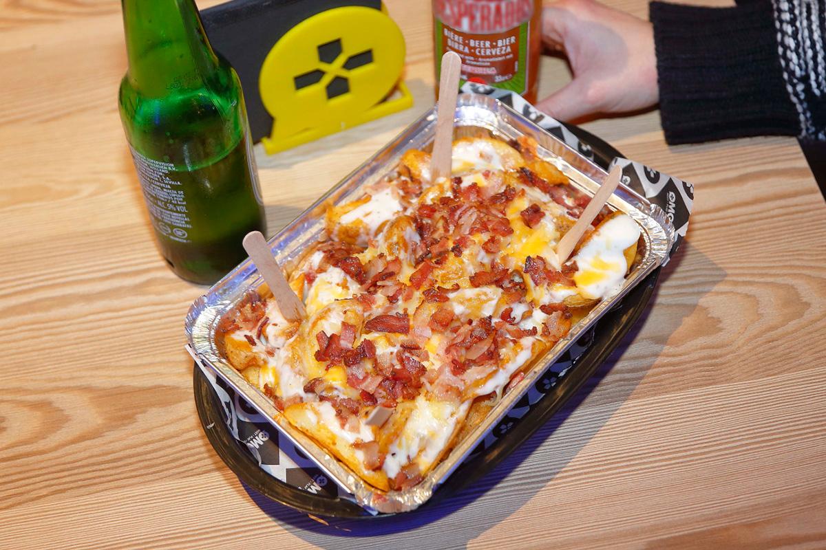 Las patatas con beicon y queso, el plato favorito de la gente.
