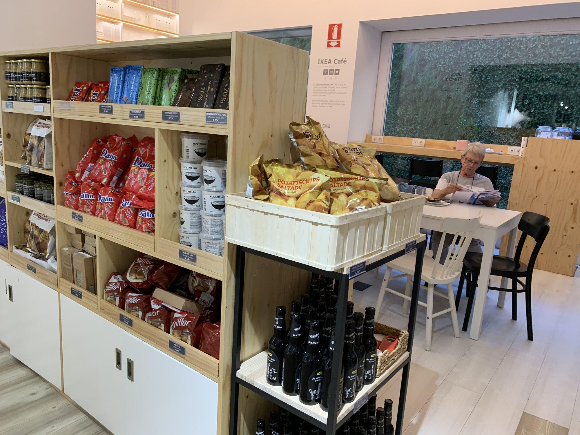 Este 'Ikea' cuenta con un espacio Fika (en Suecia, pausa para tomar café).