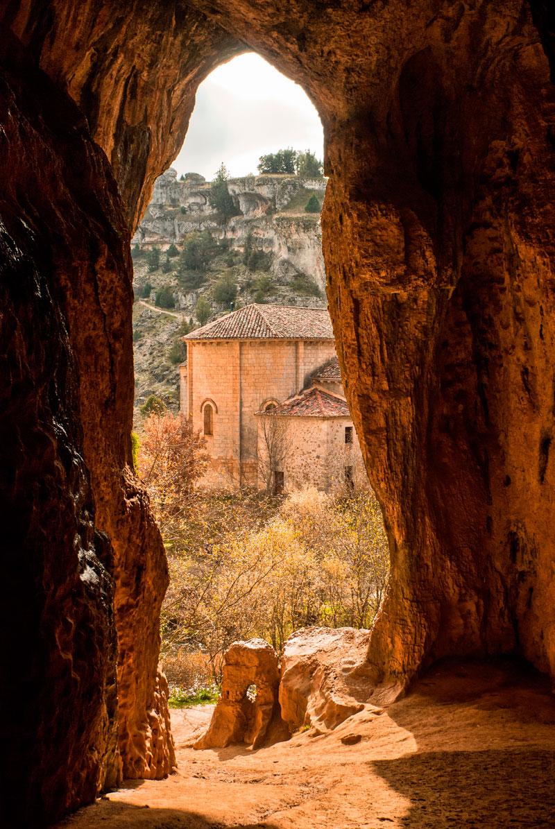 Entrada a la Cueva Grande, punto de partida de la segunda etapa. Foto: Shutterstock.
