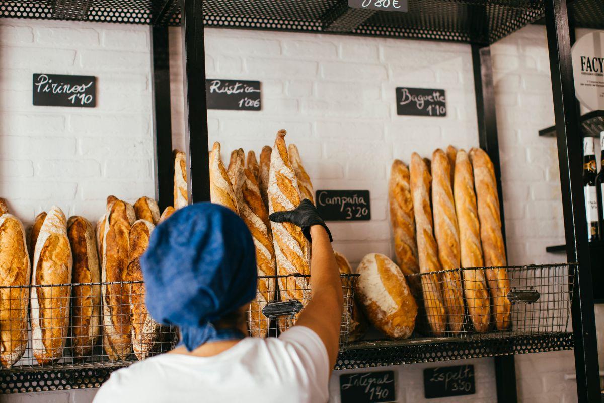 Los fines de semana venden entre 400 y 500 panes.