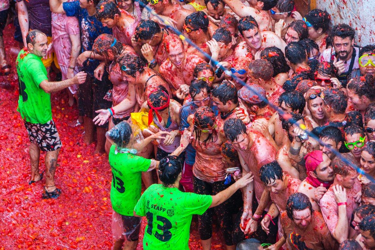 Cada año, la fiesta de la Tomatina atrae a 22.000 personas.