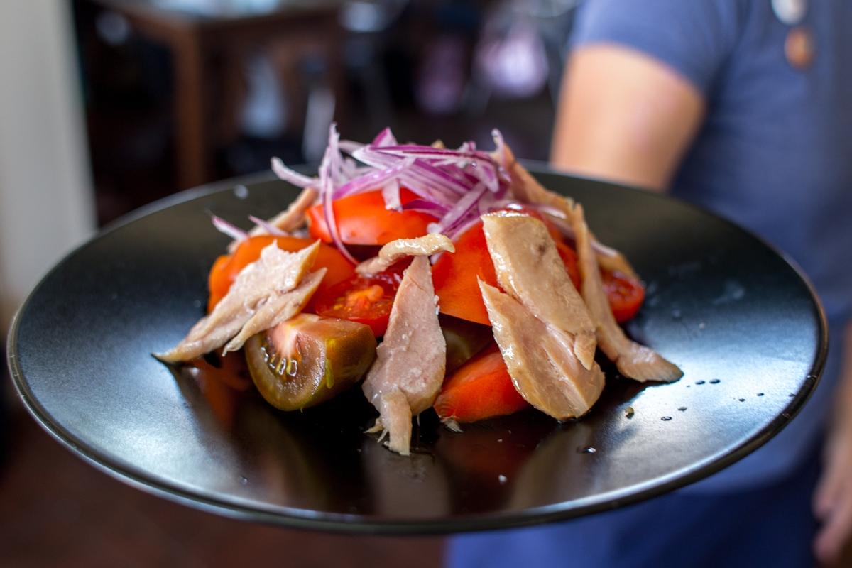 En Escribá se las apañan para ofrecer un tomate de la mejor calidad, incluso fuera de temporada.