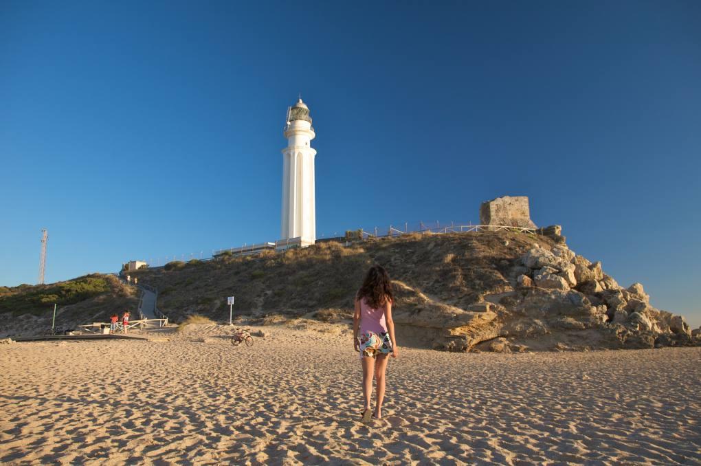 El Faro de Trafalgar, cita ineludible de Cádiz. Foto: shutterstock.