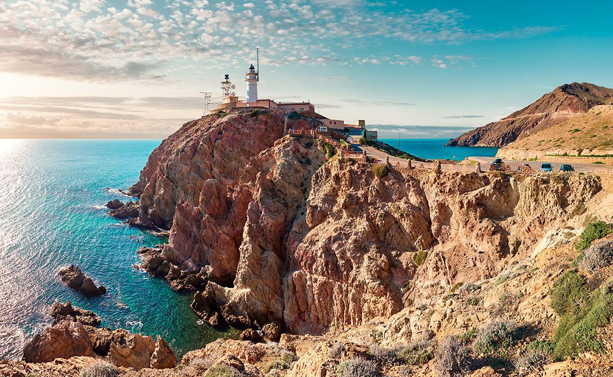 Con estos paisajes, nadie quiere irse de Cabo de Gata. Foto: shutterstock