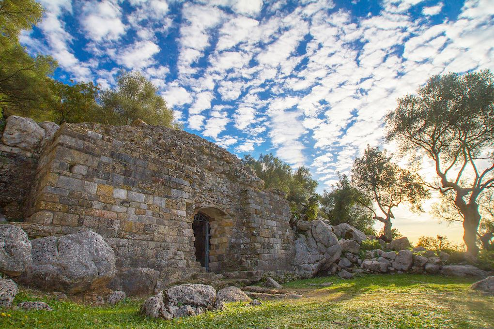 El mausoleo del yacimiento romano de Ocuri.