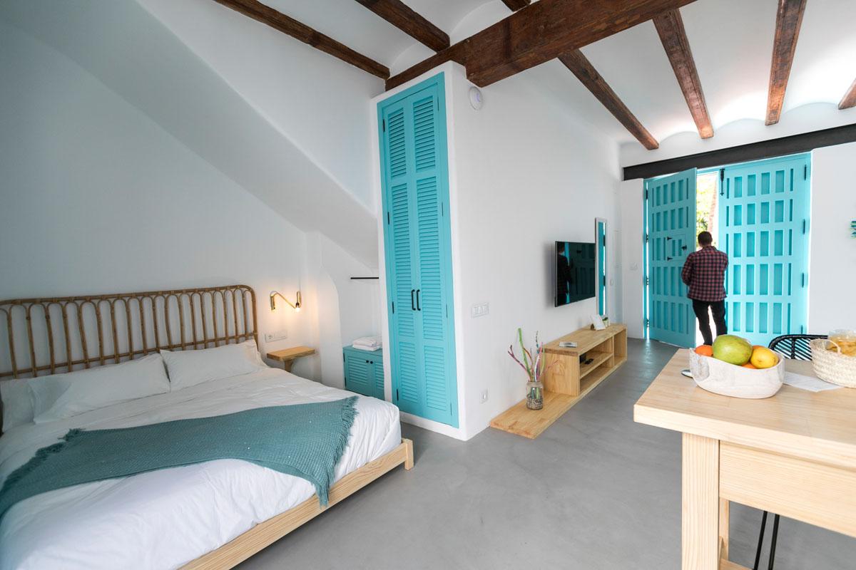 Cala Mordida se inspira en una casa payesa de Ibiza.