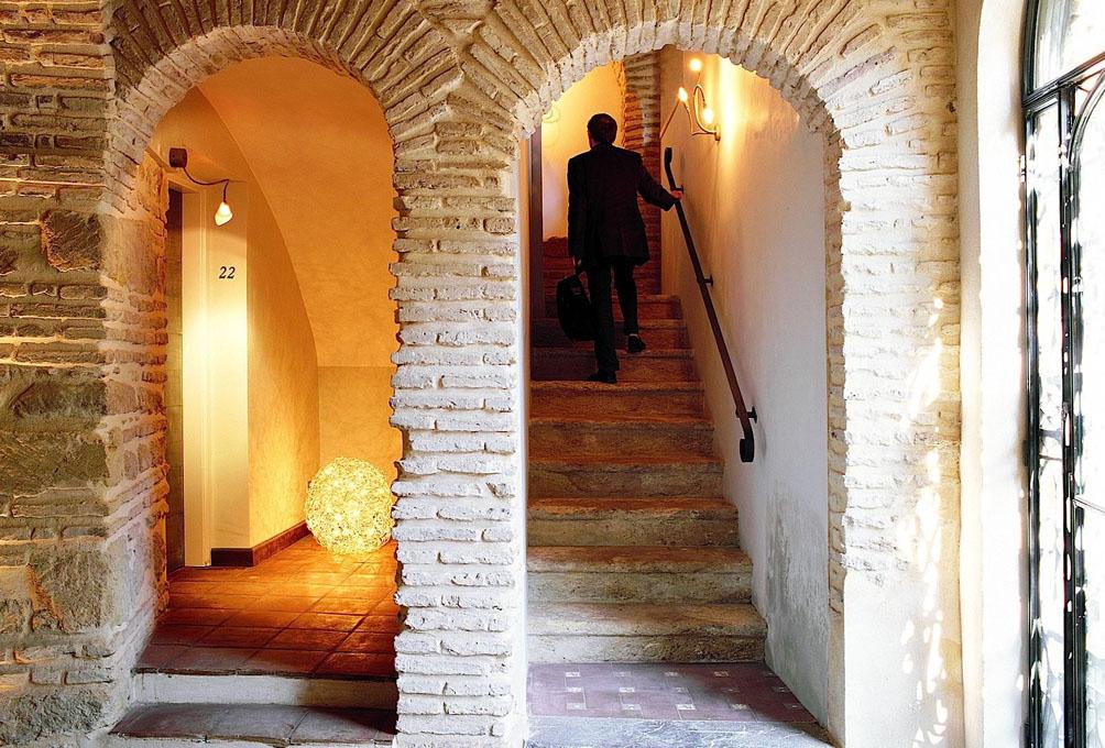 Un hotel que combina el minimalismo con la historia.