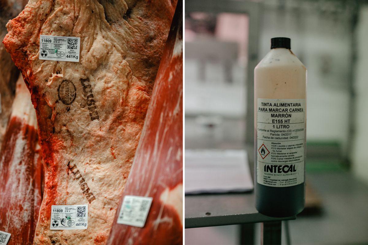 Las piezas se sellan con tinta alimentaria para marcar las carnes.