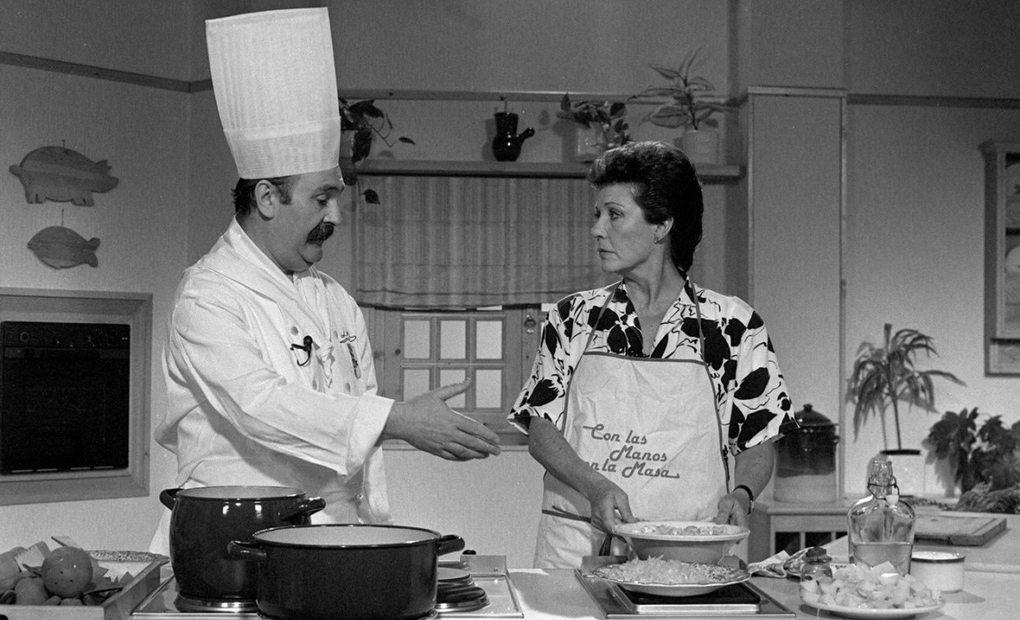 Elena junto al cocinero donostiarra Luis Irizar. Foto: EFE.