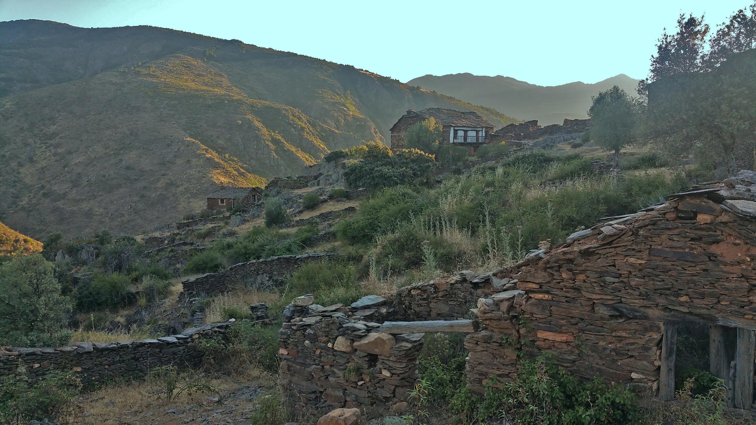 La Vereda, un pueblo en reconstrucción.