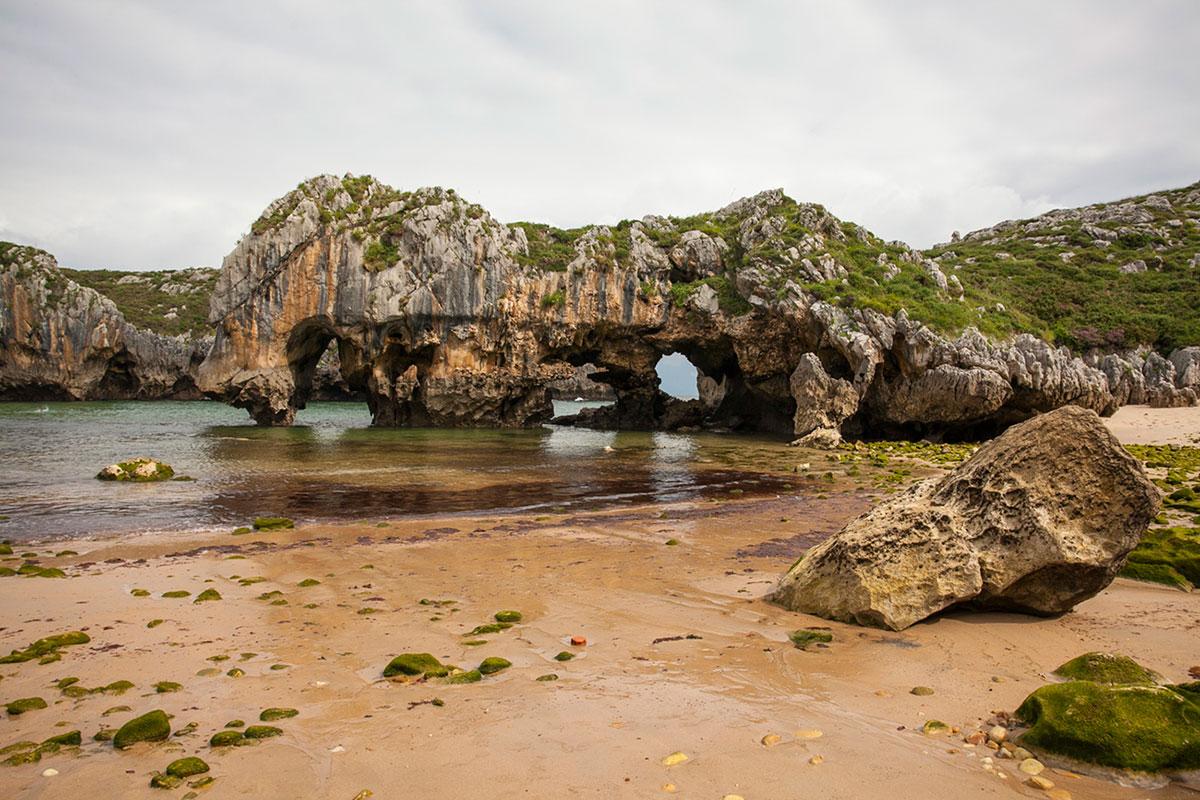 En la playa de las Cuevas es imprescindible elegir bien el enfoque. Foto: José García.