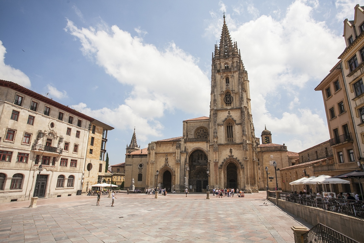 La catedral de Oviedo que encierra tantos misterios.
