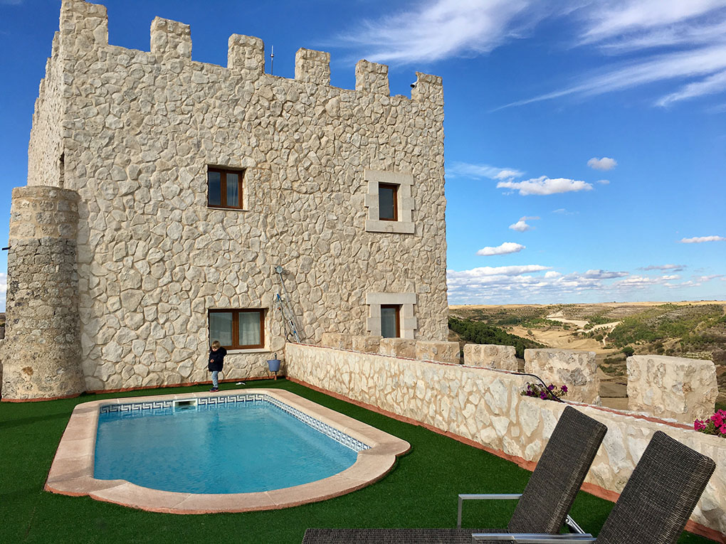 En verano se puede aprovechar la terraza y la piscina del hotel.