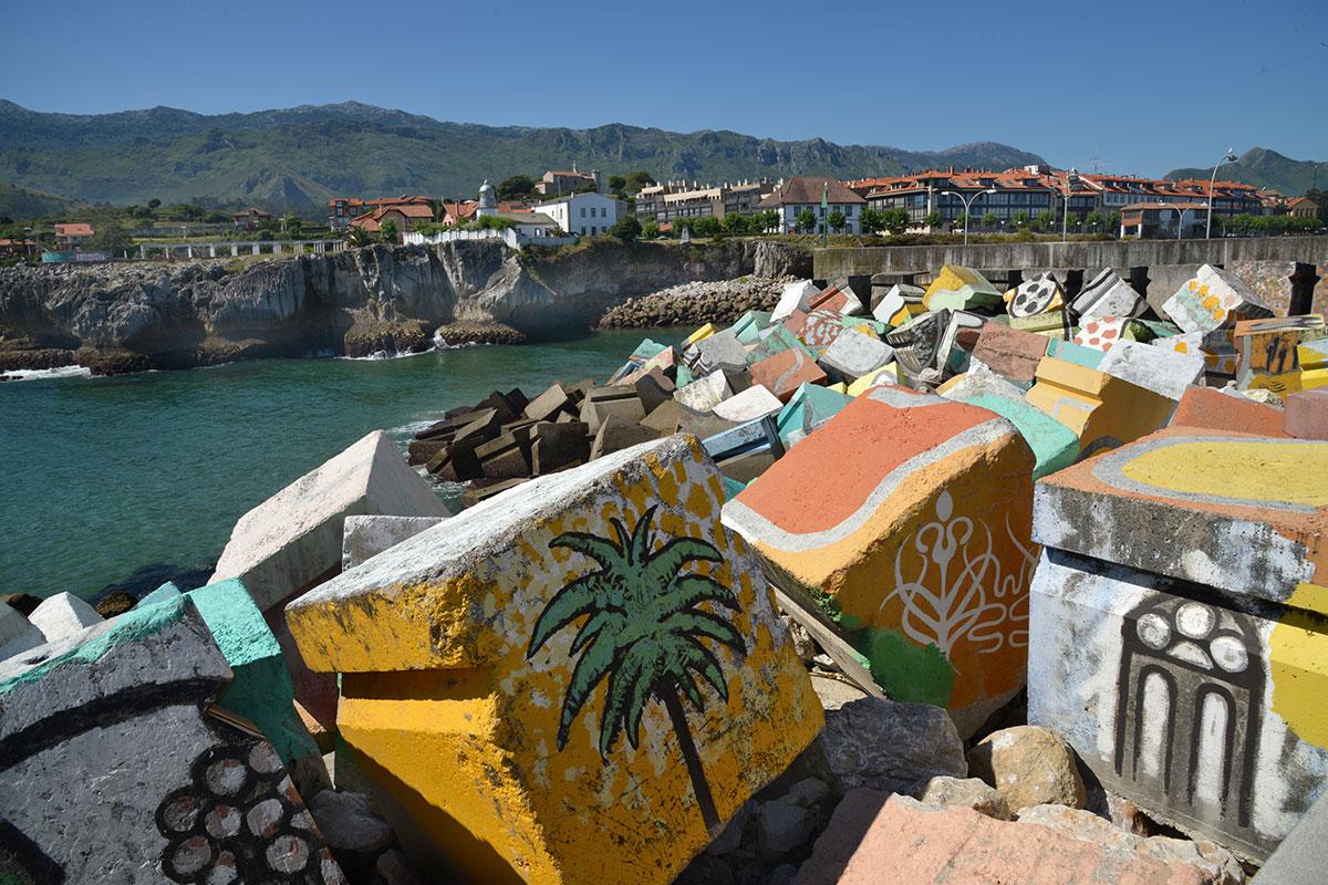 Llanes: Puerto de Llanes y Cubos de la Memoria. Foto: Alfredo Merino | Marga Estebaranz