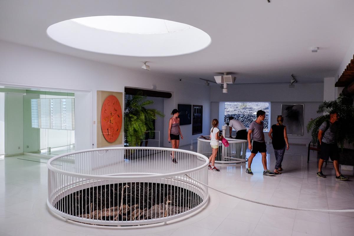 La sede de la Fundación acoge una importante colección de arte contemporáneo.