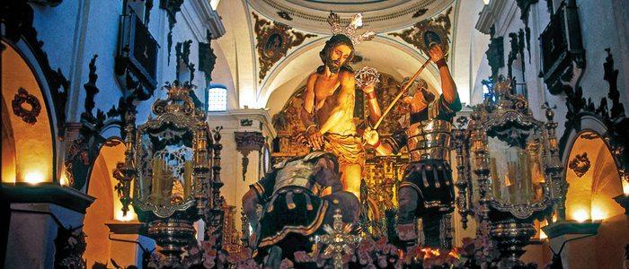 Interior de la iglesia lorquina de San Francisco.