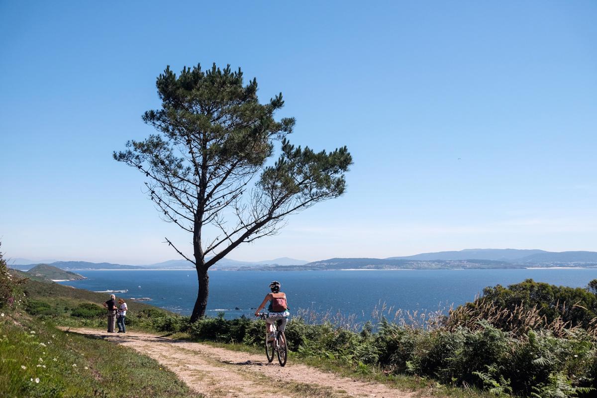 En la isla no hay coches, pero las rutas se pueden hacer fácilmente a pie.