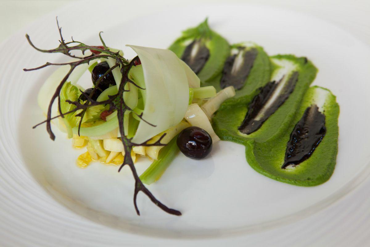 La ensalada de apio con pomada de su troncho y otras verduras del frío