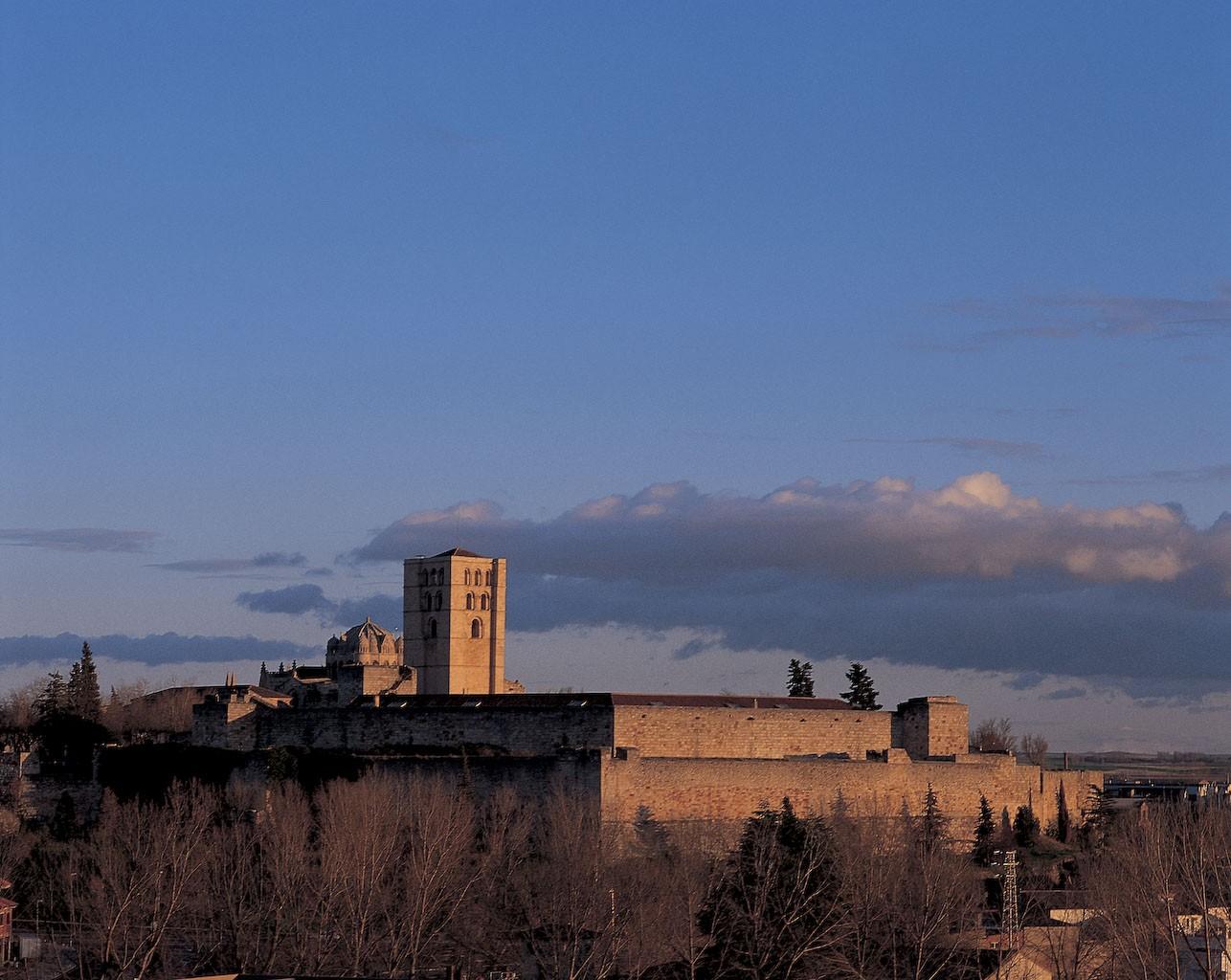 Catedral y Castillo. Foto: Oficina de Turismo de Zamora.