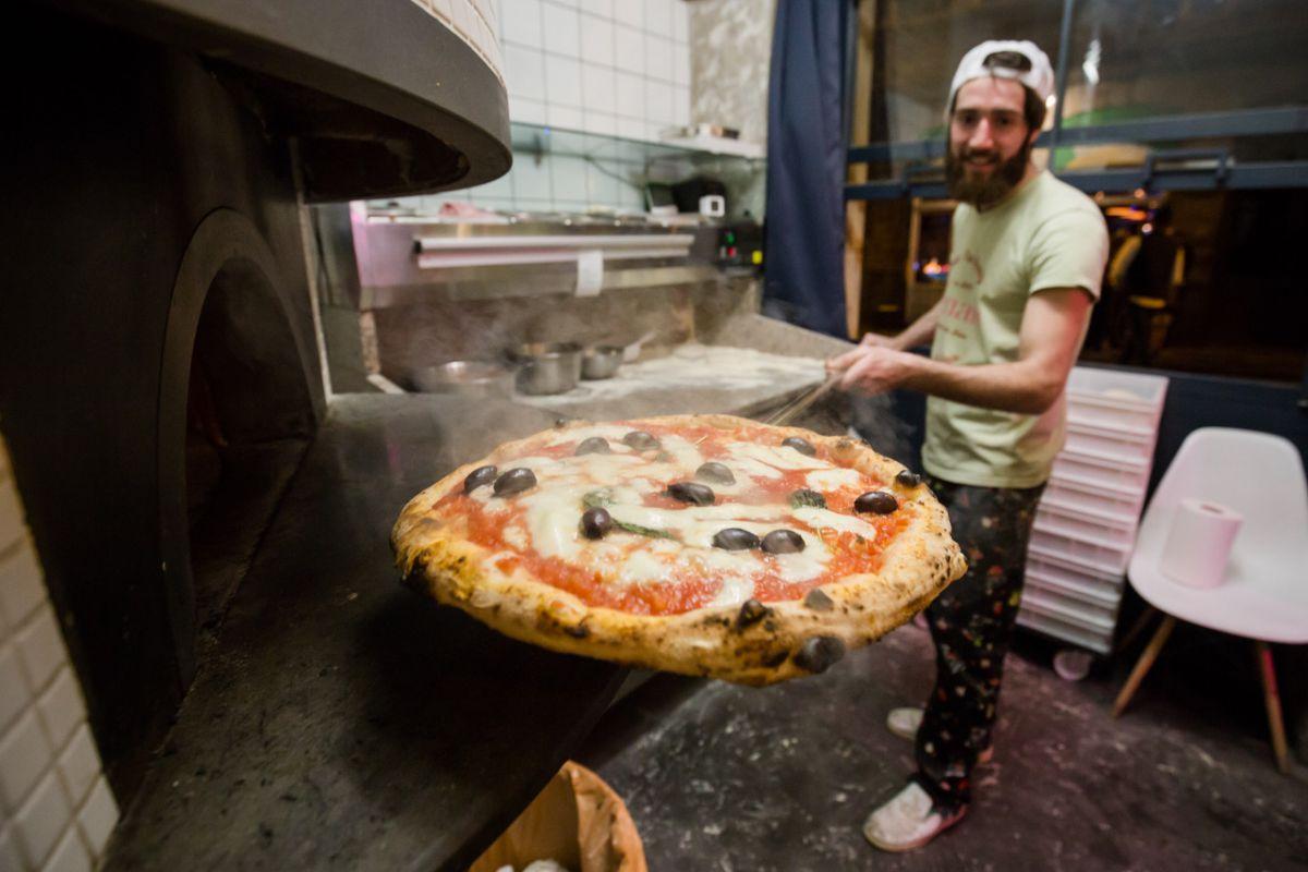 Harinas ecológicas, materia prima local e italiana y estilo napolitano resultan imbatibles en Bilbao. Foto: Demaio Pizza.