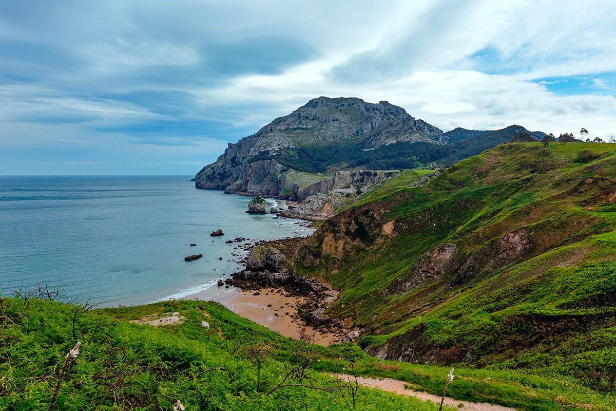 Rutas por Cantabria: San Julián, Liendo. Foto: Shutterstock