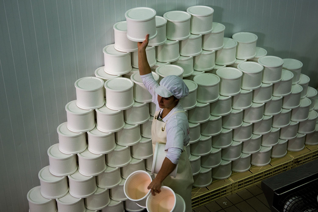Esta empresa familiar cuenta con cámaras de secado, maduración y mantenimiento para la producción de quesos.