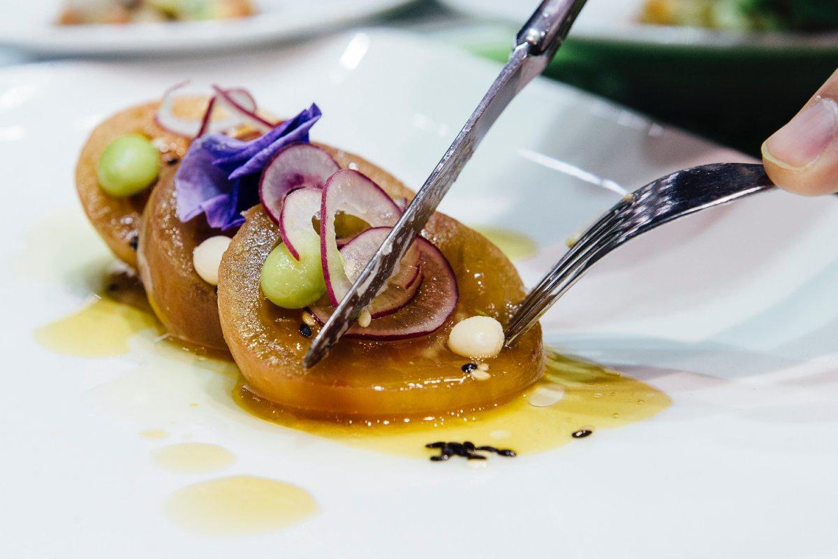 El chef Rafa Morales ('Grupo Iglesias') preparó durante el congreso varias creaciones con estos tomates.