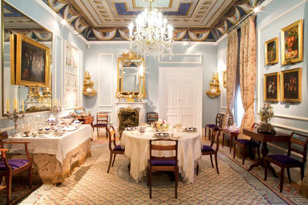 Así se vestían los comedores en el siglo XIX, como éste del Museo del Romanticismo de Madrid. Foto: Javier Rodríguez.
