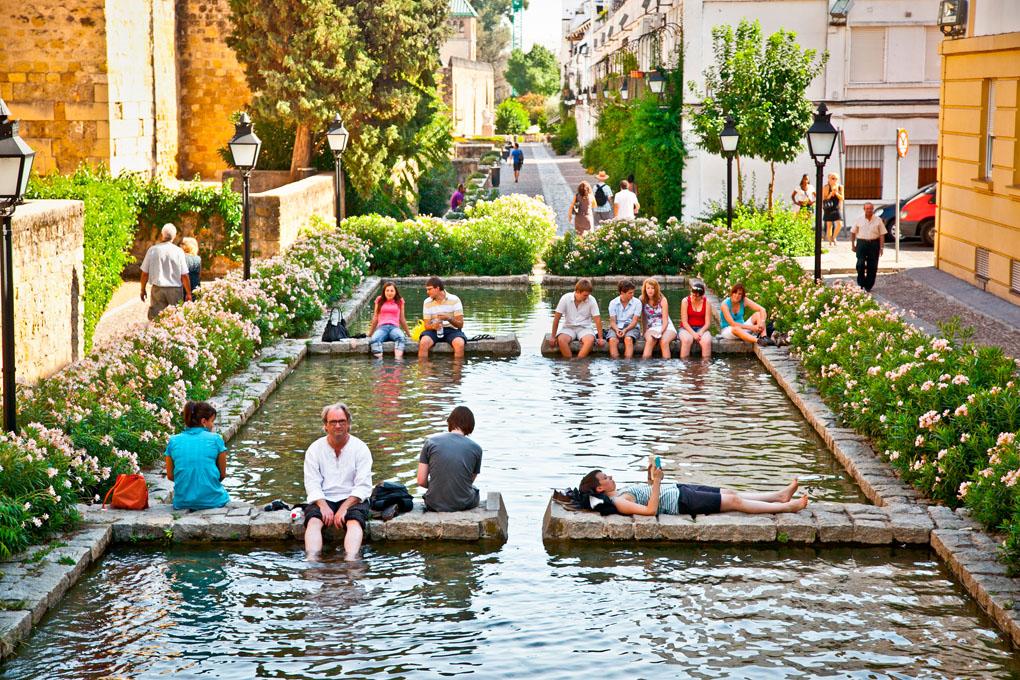 Las fuentes de la ciudad, un buen lugar para refrescarse. Foto: Shutterstock.