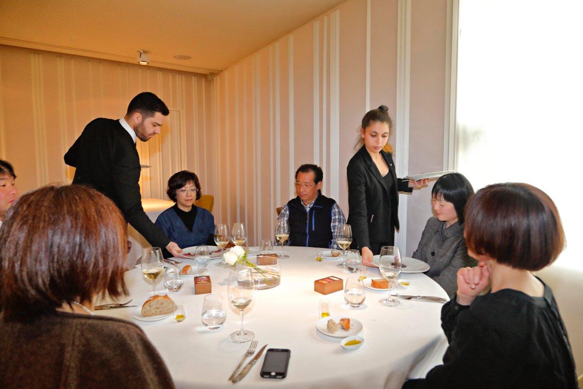 Restaurante 'El Portal de Echaurren'. Clientes japoneses