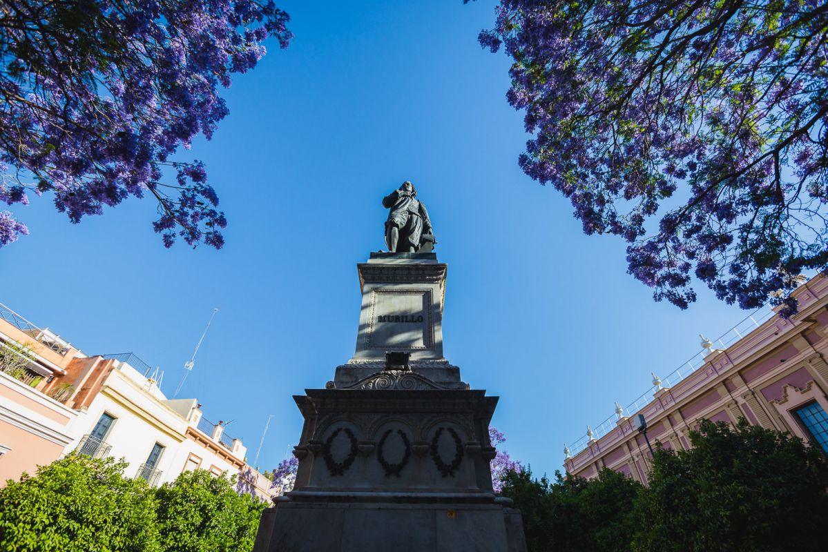 Monumento a Murillo en la Plaza del Museo de Bellas Artes.