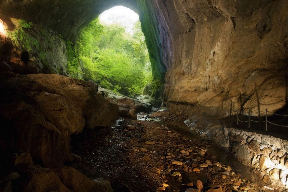 Cuevas famosas por acoger reuniones de brujas durante la Edad Media.