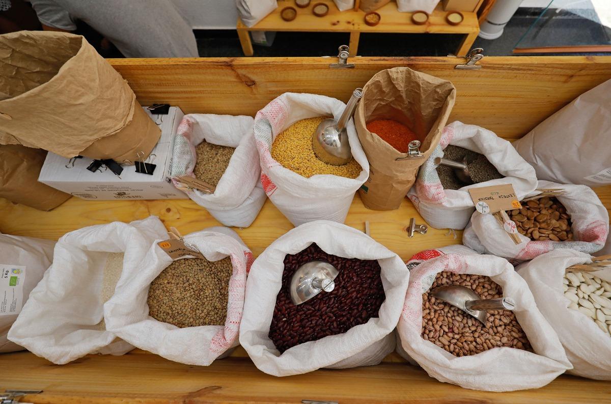 Alimentación de proximidad, producción ecológica y mínimos residuos son las máximas de 'Al Grano'.