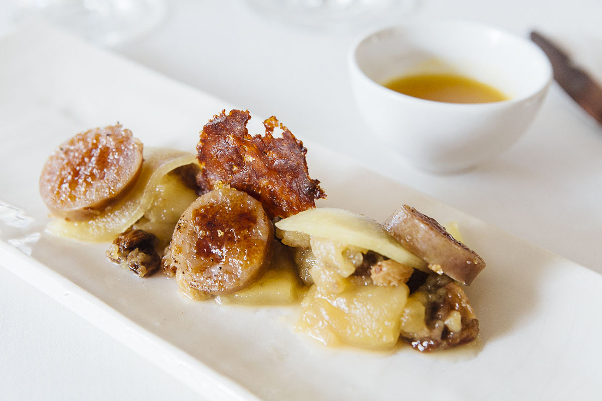 De los más curiosos productos de L'Empordà: la butifarra dulce, que sirve de entrante o como postre.