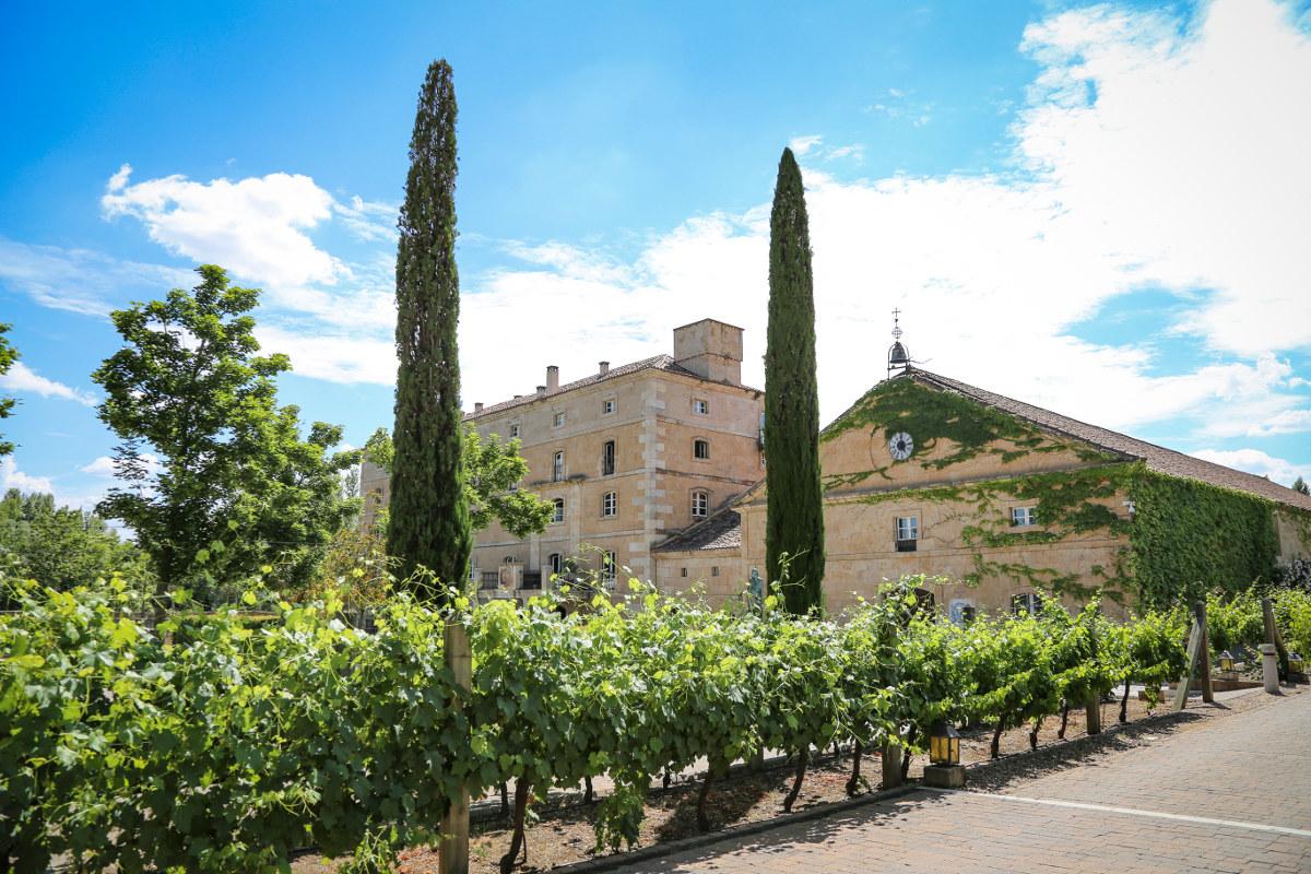 'Hacienda Zorita', en Salamanca, es un 'Wine Hotel & Spa', sumamente respetuoso con la arquitectura y los materiales originales.