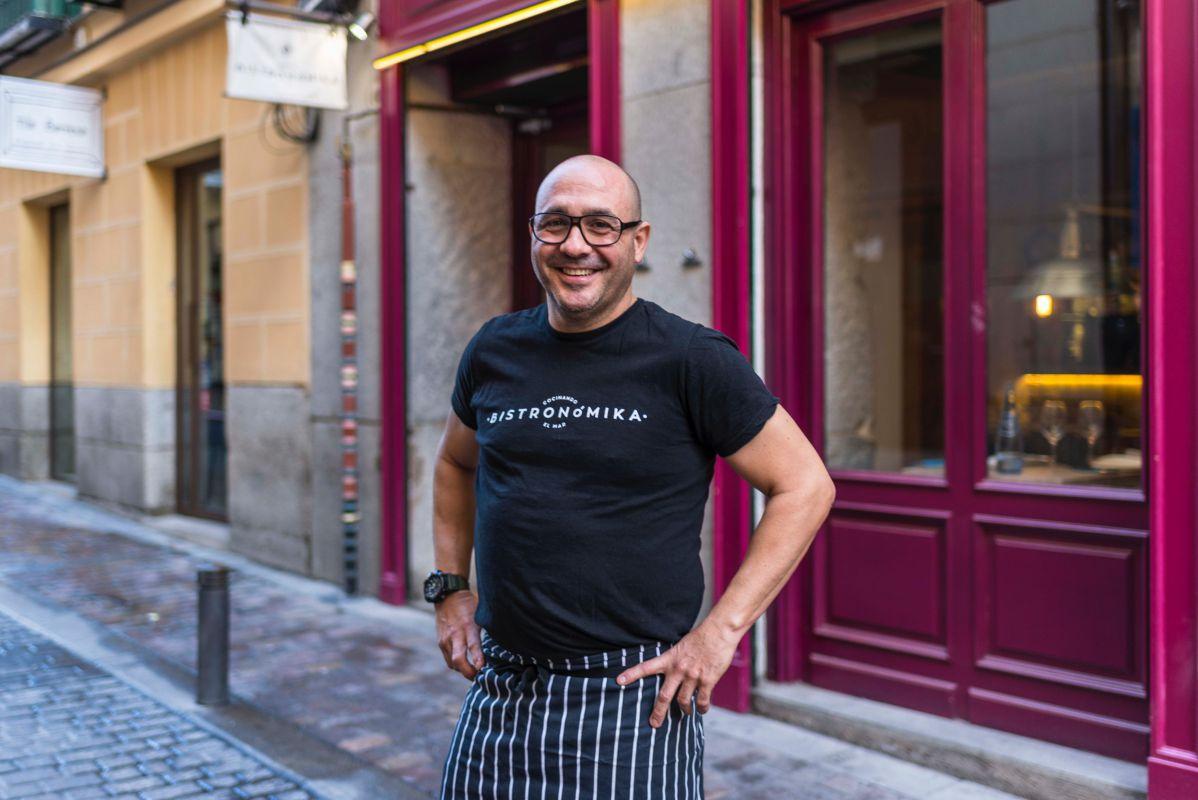 Este viejo conocido de la gastronomía clásica madrileña ha convertido su 'bistró' en un lugar de paso obligado.