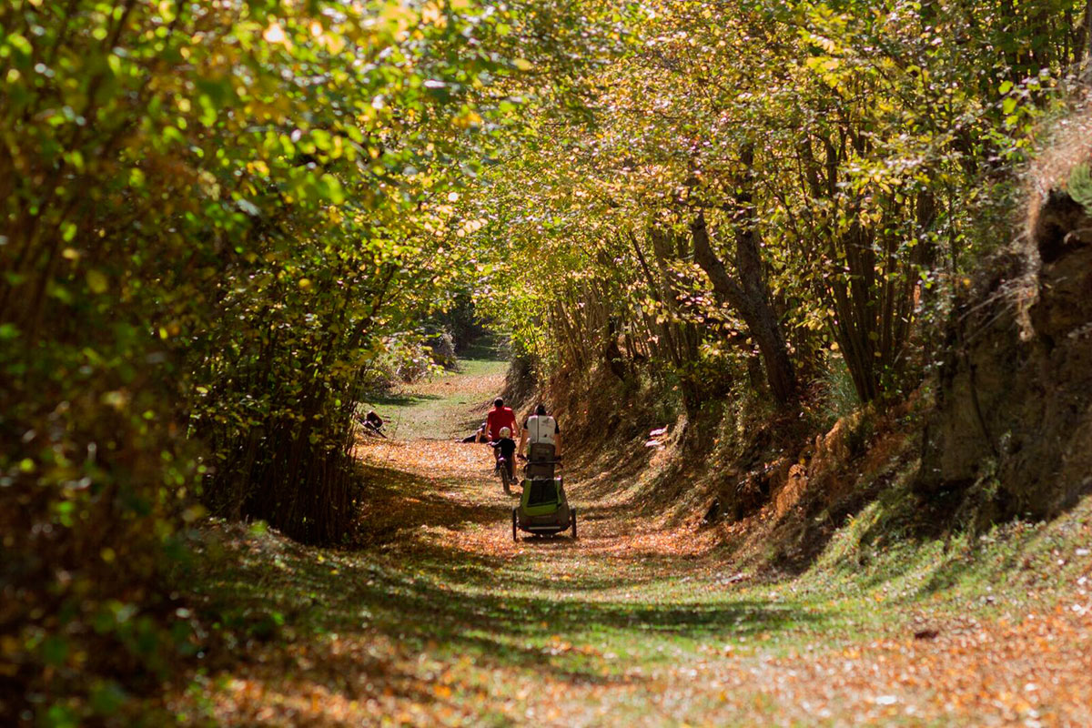 Ezcaray: Los senderos de la ruta por la Rioja. Foto: Pekebikers