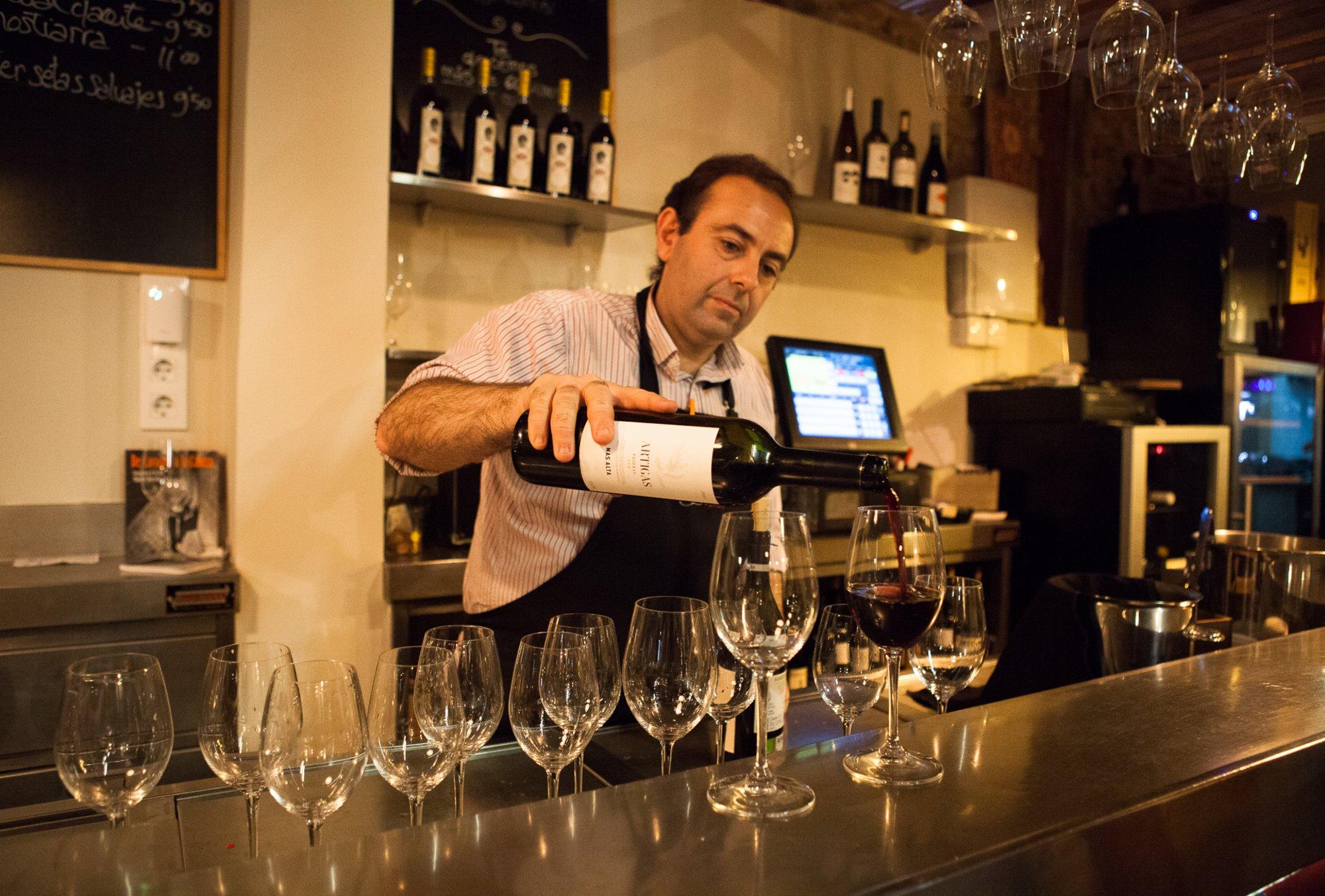 La carta de vinos aúna 60 referencias nacionales y extranjeras.