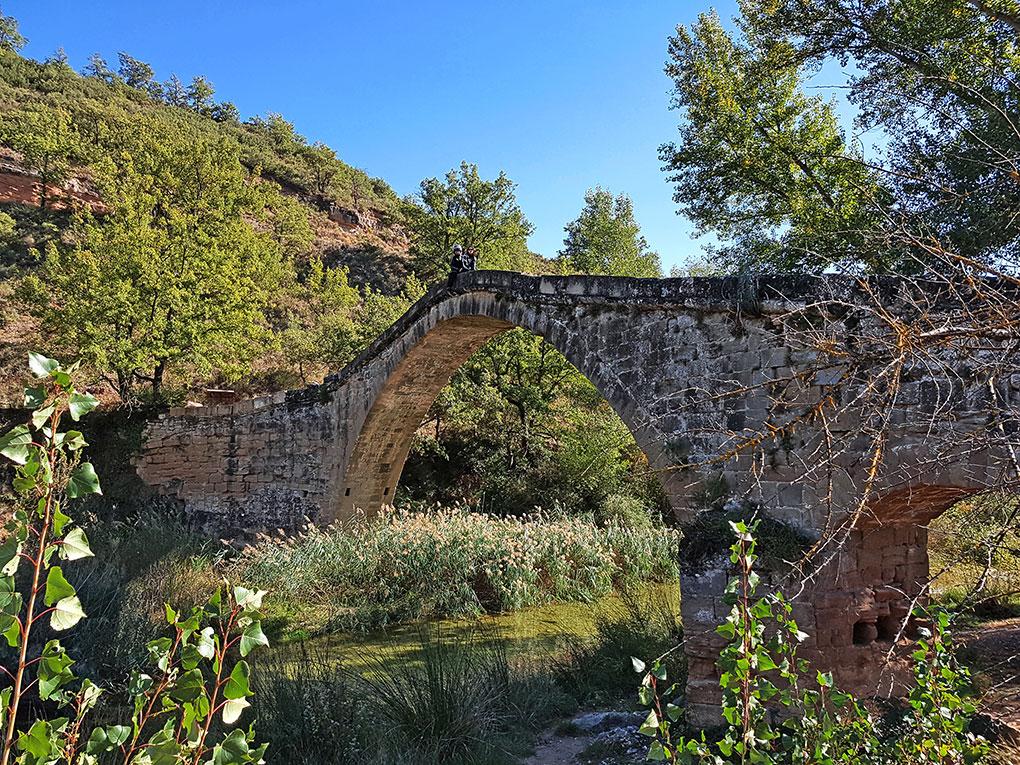El puente romano, una pequeña sorpresa de la A-2205.